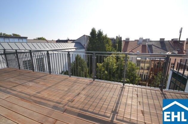 Hofseitige Dachgeschossmaisonette mit großzügiger Dachterrasse