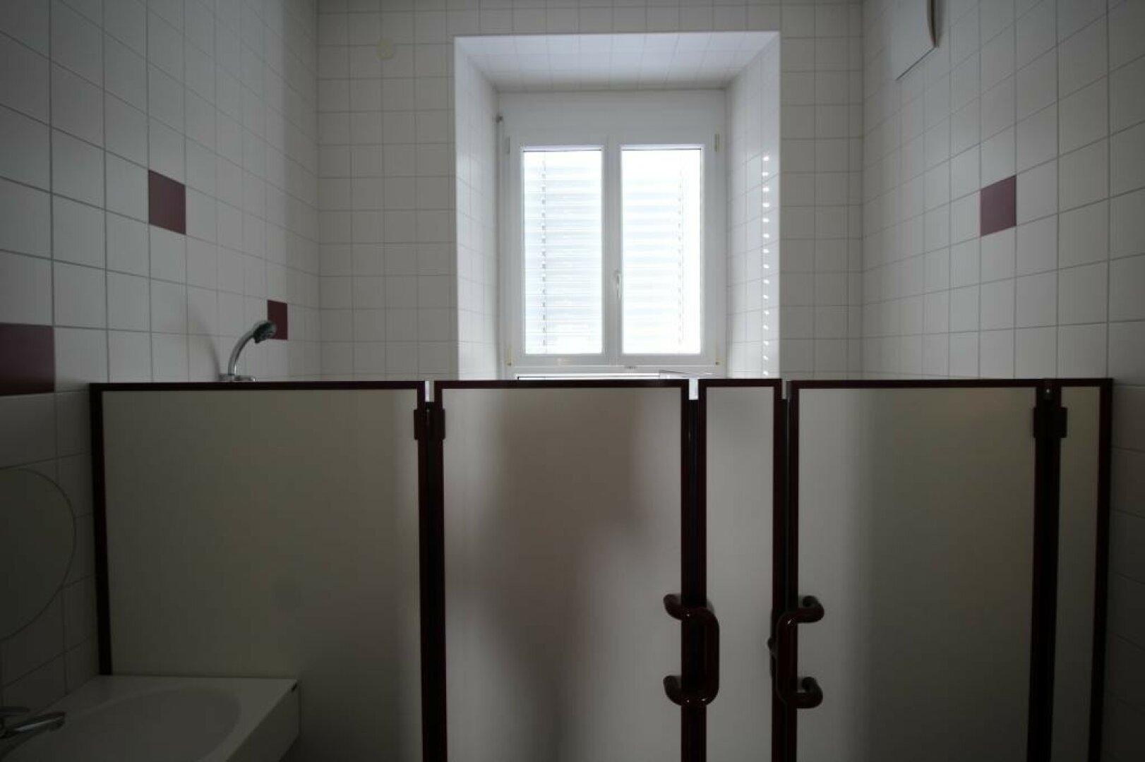 Badezimmer und WC im EG