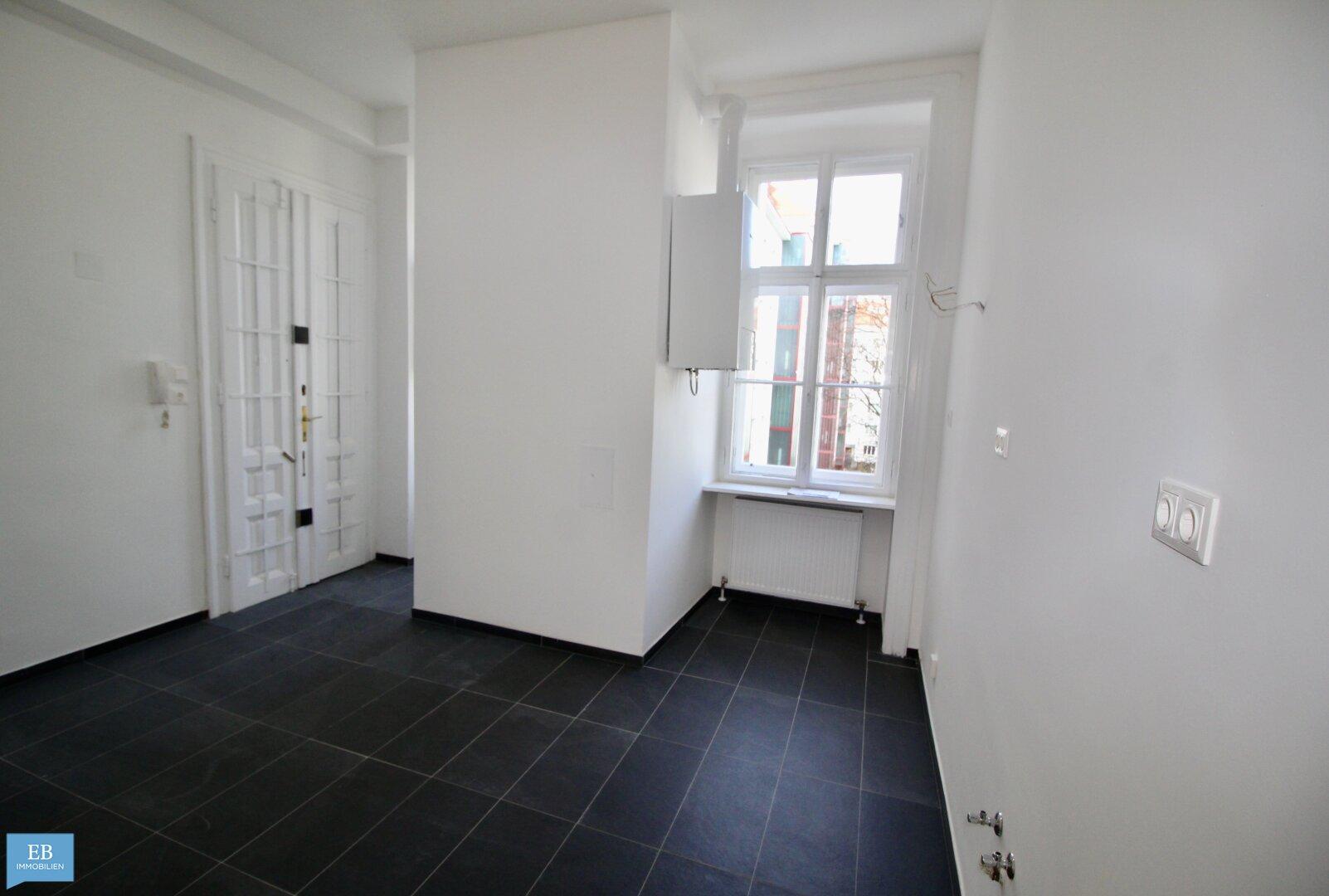 Vorzimmer mit Küchenbereich