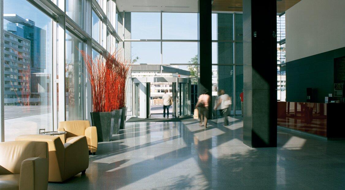 DONAU-CITY - herrliche Büros mit Weitblick im ARES TOWER ||