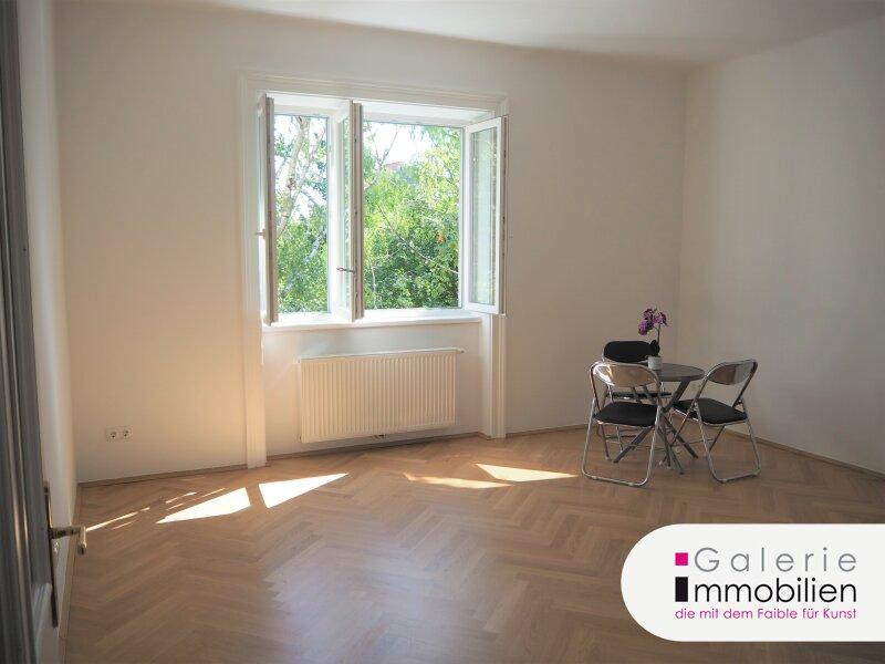 Grünblick und Ruhelage - Sonnige 2-Zimmer-Altbauwohnung mit 2 Balkonen - traumhafter Gemeinschaftsgarten Objekt_35148