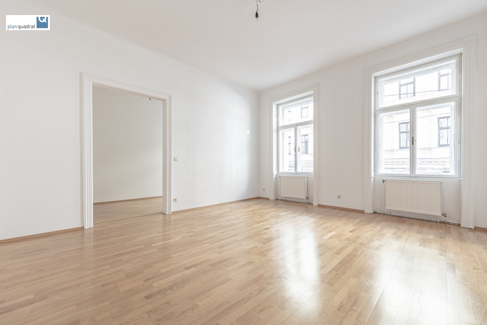 Zimmer 2 (gem. Wohnungsgrundriss; zentral begehbar)