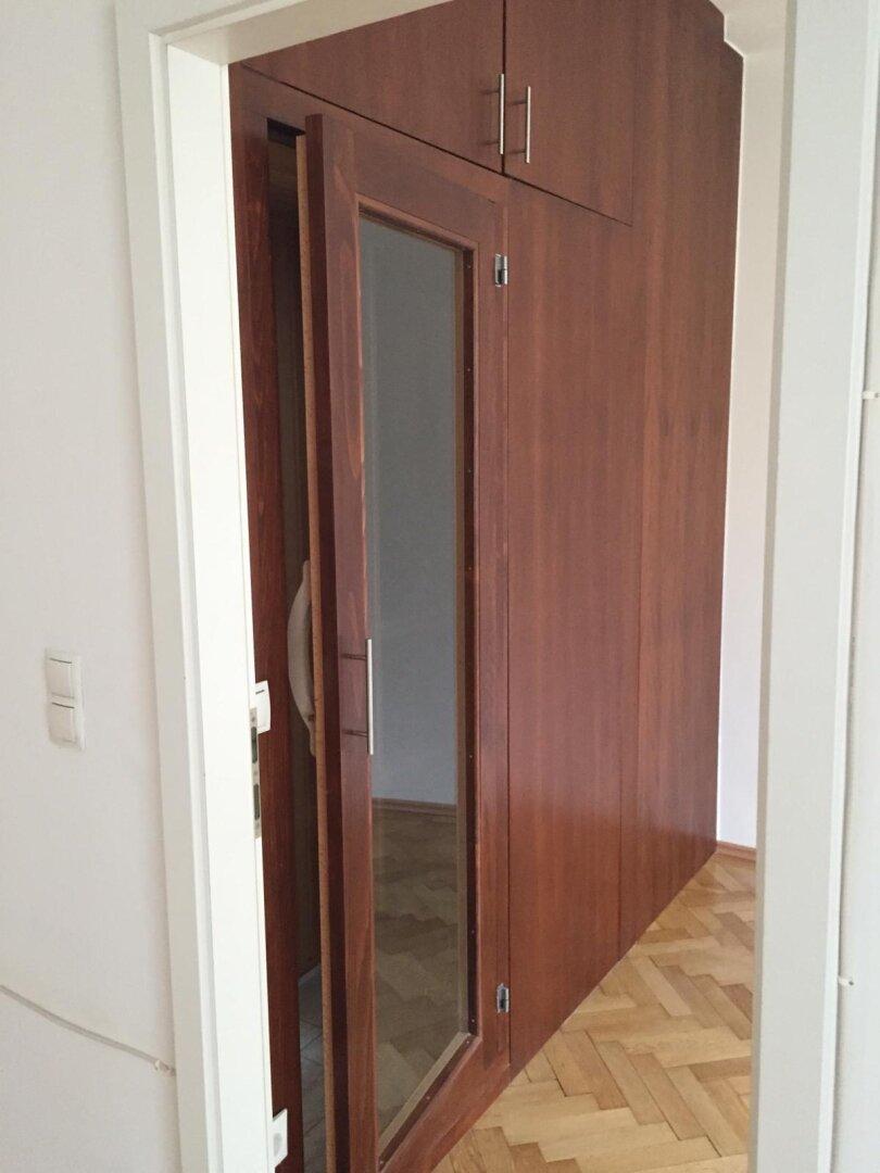 Eingang zum Schlafzimmer Schrankraum