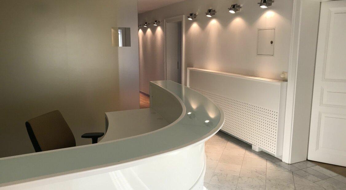 Exklusives Büro im DG mit Balkon, Nähe Hietzinger Platz
