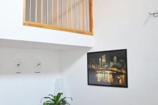 Top 44, 2 Zimmer-Wohnung über 2 Ebenen mit Terrasse und Garten