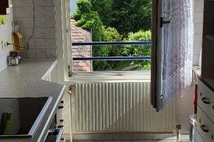 Gepflegte, voll möbilierte  2,5 Zimmer-Wohnung in  Hetzendorf