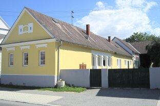 1.773 m² großer charmanter, burgenländischer Arkadenhof mit Nebengebäuden