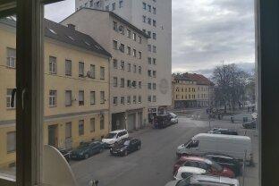 Gepflegte Wohnung mitten in der City! WG geeignet!