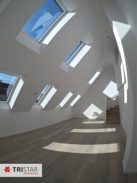 :::Penthouse zum Verlieben mit Terrasse und Lift bis in die Wohnung - Komplett saniertes Haus, ruhige Lage und erstklassige Ausstattung::: /  / 1170Wien / Bild 1