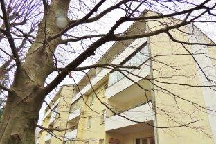 VERKAUFT            -100m² - 3 Zimmer - 12 Loggia - Parkplatz