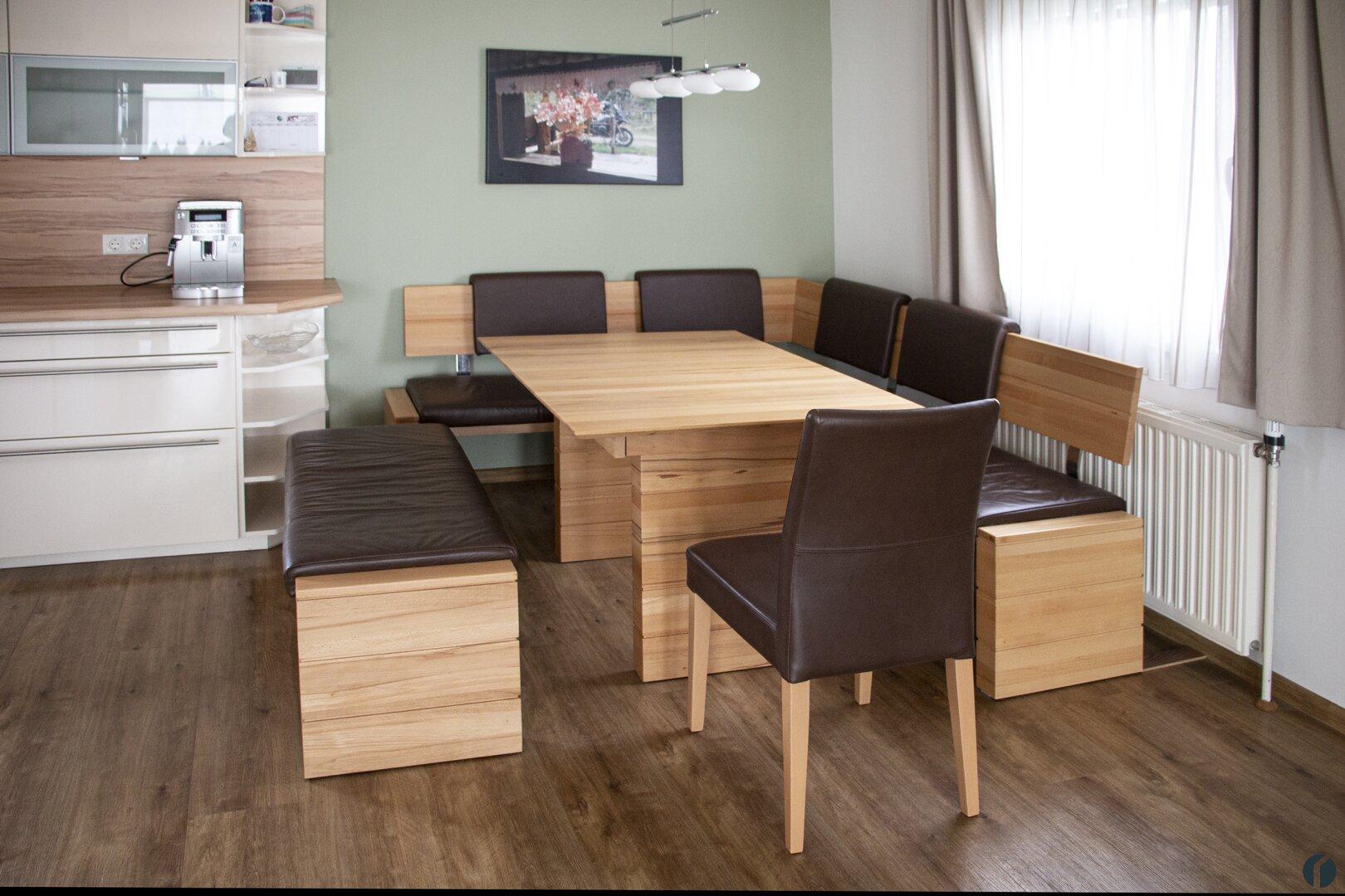 Essbereich zwischen Wohnzimmer und Küchenbereich