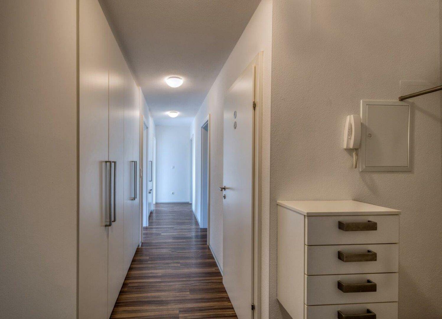 Diele, Gang, 4-Zimmer Maisonette Wohnung, Schwoich