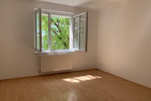 2 Zimmer Wohnung - extra Küche + Garten