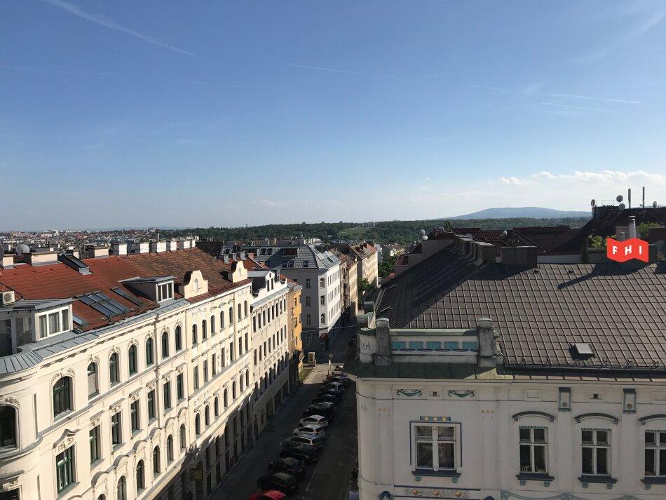 Neu sanierte Dachgeschosswohnung mit Südost-Terrasse und Fernblick, ab 1.7. bezugsfertig!