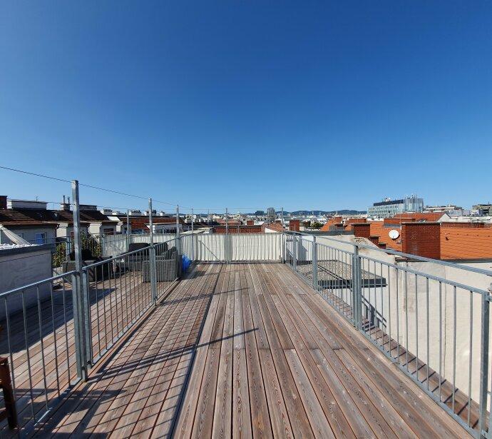 Attraktives Preisangebot! Tolle Dachterrassenwohnung in UBahn Nähe - Zustand wie Erstbezug