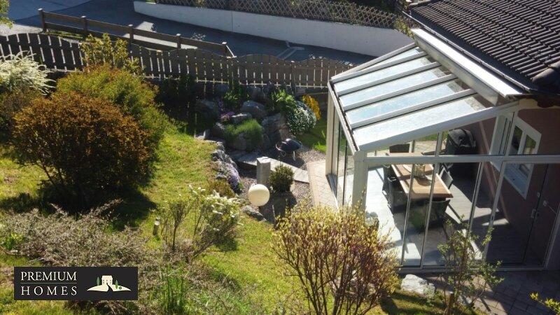 Kirchbichl Zweifamilienhaus_ hohe Qualität mit Modernen Design_Ansicht_Garten von oben mit Wintergarten