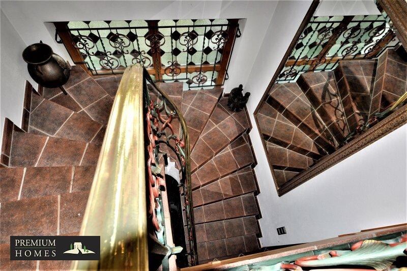 Breitenbach am Inn - Elegantes Landhaus - Aufgang 1 Stock