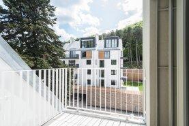 Wohnluxus!  Wunderschöne 3 Zimmer Maisonette mit Balkon und Terrasse , Sauna Infrarot,  Concierge Service