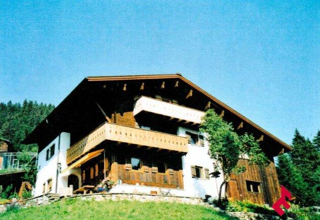 besonderes Wohnhaus in totaler Naturlage