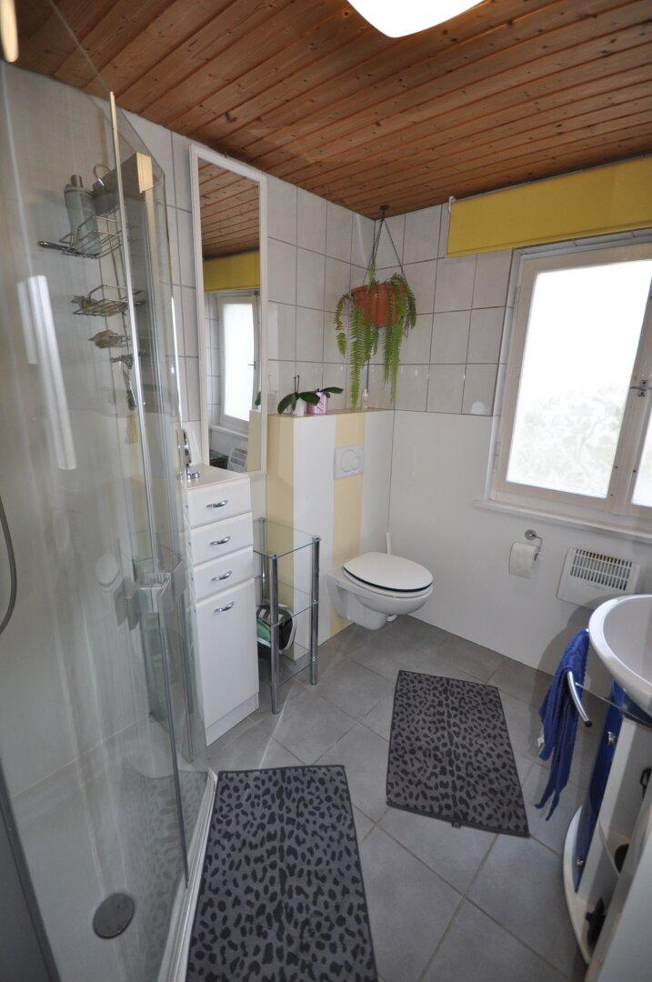 Badezimmer mit WC EG