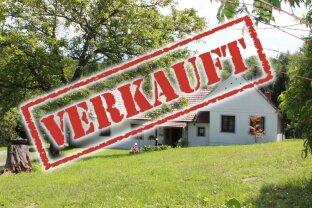 Toller Vierkanthof in sonniger Alleinlage!