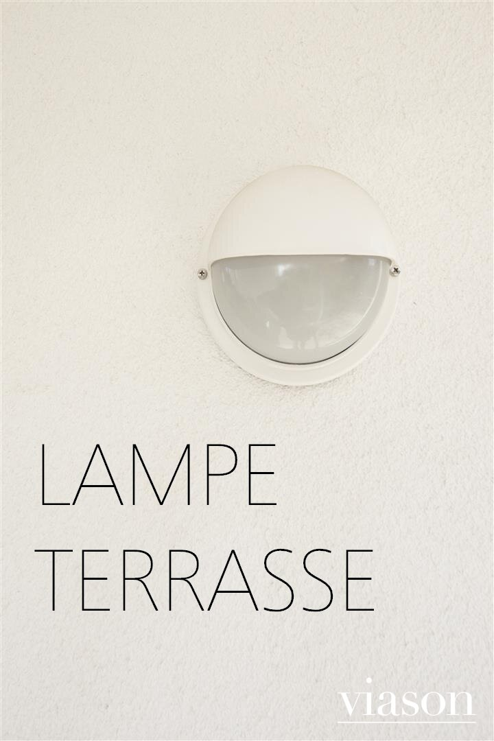Lampe auf der Terrasse