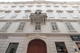 SINGERSTRASSE - STEPHANSPLATZ | repräsentative 4-Zimmer-Wohnung mit Balkon in prachtvollem Altbau