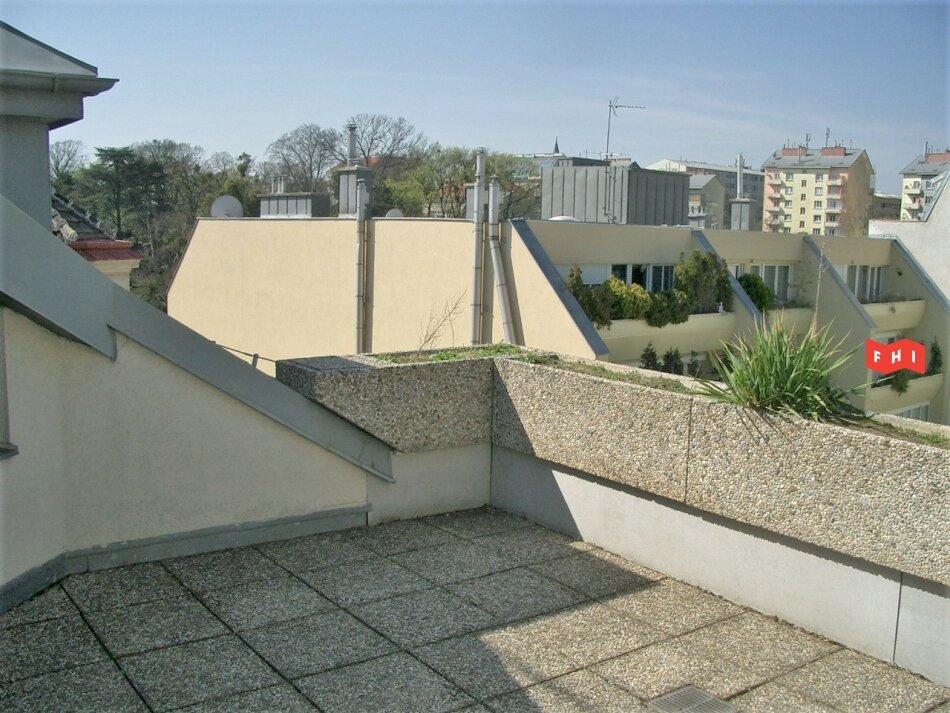 Dachgeschosswohnung   Unbefristet   WG-tauglich