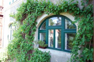 WG geeignete sehr schöne 3 Zimmer Altbau Wohnung