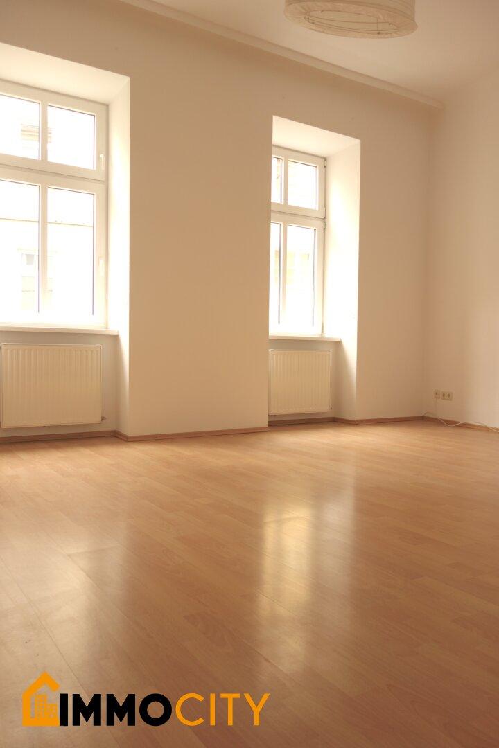 Wohnzimmer UNSANIERT