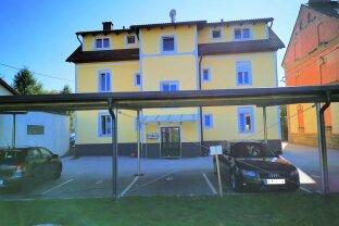 Moderne kleine Wohnung mit Carport und Gartenanteil