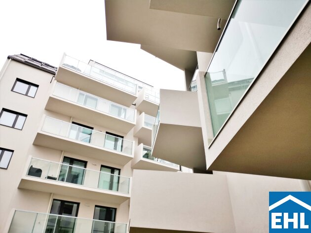 Klimatisierte DG-Wohnung mit 3 Terrassen (West-, Süd- und Ost-Ausrichtung)!!!