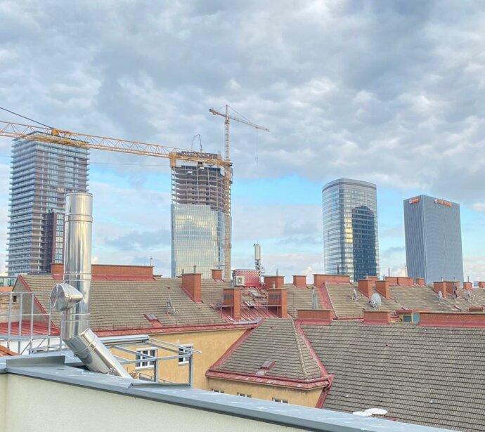 ERSTBEZUG 2-Zimmer Dachgeschoß-Wohnung mit Terrasse und Wintergarten