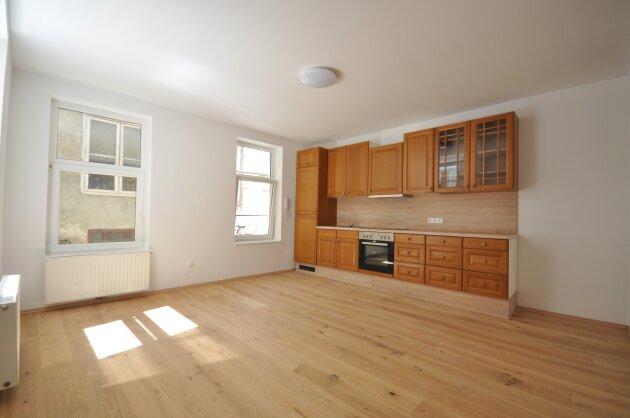 Foto von Ideal aufgeteilte 2-Zimmer Altbauwohnung in einem Hofhaus!!