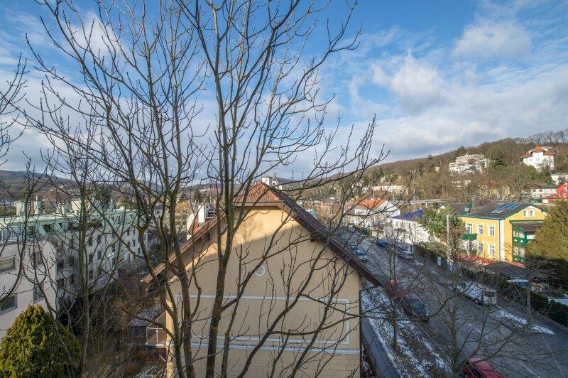 ++NEU++ ERSTBEZUG: Kernsanierte DG-Wohnung in Stilvilla! idyllischer Garten! **perfekt für Anleger** /  / 1140Wien / Bild 4