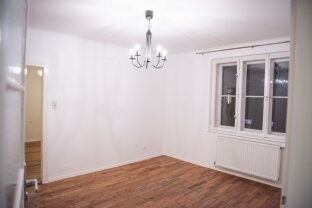 ***CHARMANTE HELLE WOHNUNG***TOP LAGE***