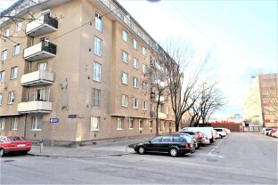 LIEBENSTRASSE: Top sanierte, helle 3-Zimmer Wohnung