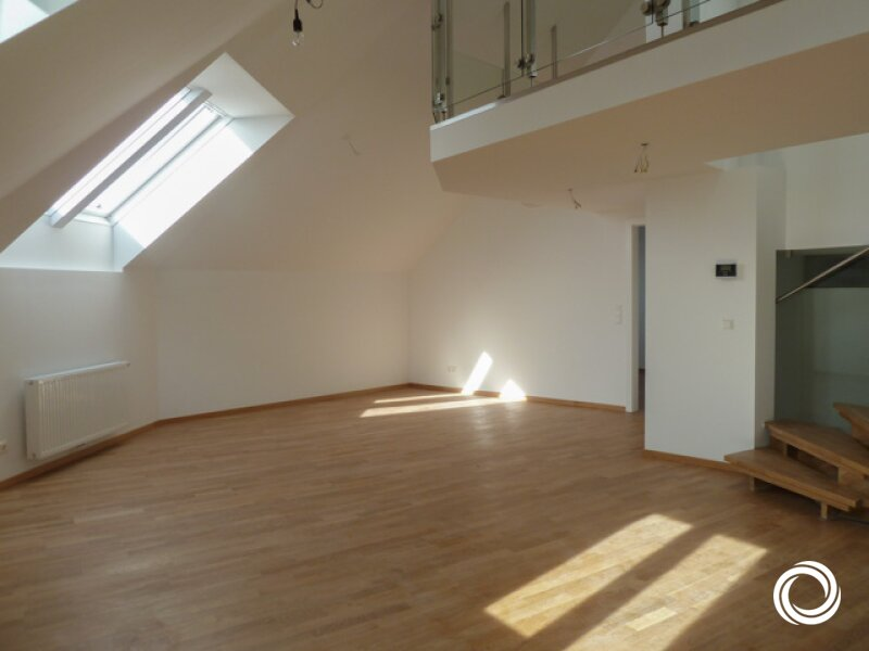 1050// Großzügige Maisonette-Dachgeschosswohnung mit Terrasse und viel Lebensgefühl! /  / 1050Wien / Bild 0