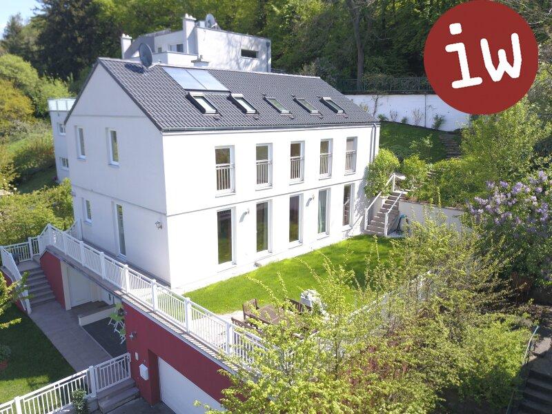 Geräumiges Einfamilienhaus in idyllischer 7.000 m² Grün-Lage mit Blick auf den Ölberg Objekt_377