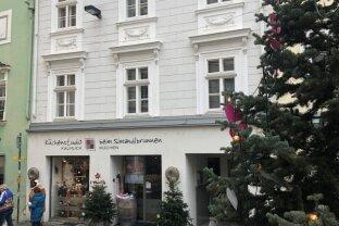 * Stadthaus in der Kremser Fußgängerzone *