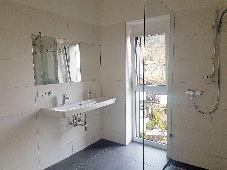 Bad für 2 Zimmer, Wohnung Dachgeschoss Thiersee