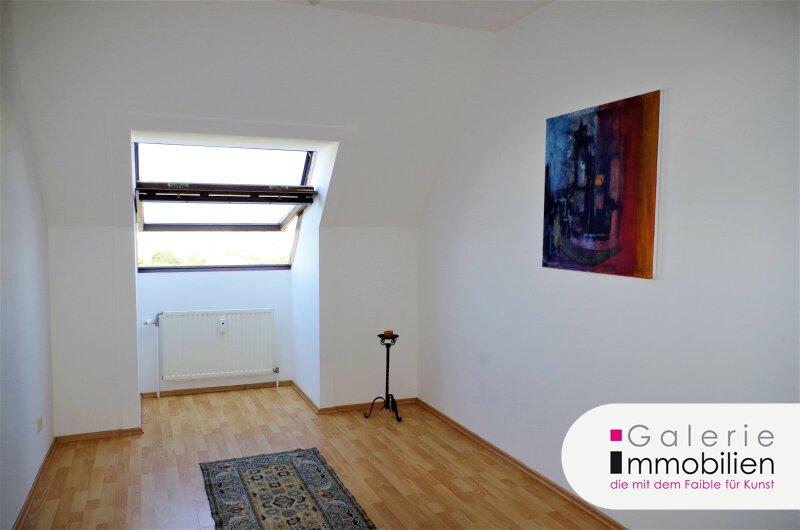 Zentral begehbare 3-Zimmer-DG-Wohnung mit phantastischem Fernblick Objekt_32450