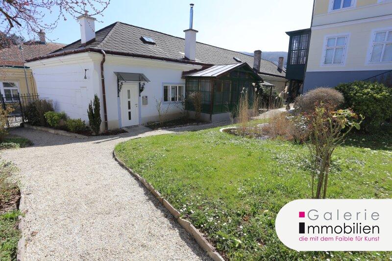 Topsaniert: Attraktive 3-Zimmer-Altbauwohnung mit Terrasse und Gärtchen Objekt_34774
