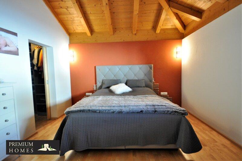 Kirchbichl Zweifamilienhaus_ hohe Qualität mit Modernen Design_Schlafzimmer