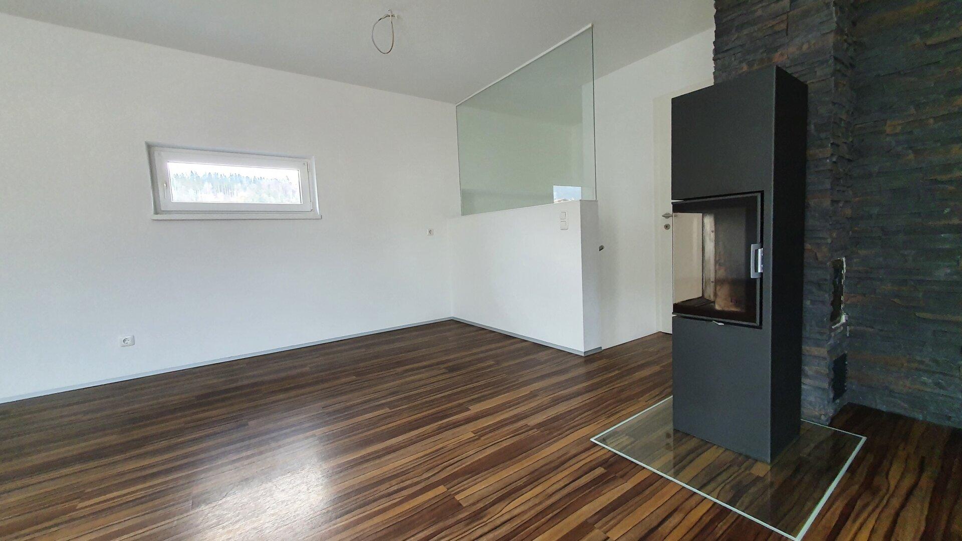 Essbereich und Speicherofen, 4-Zimmer Maisonette Wohnung, Schwoich