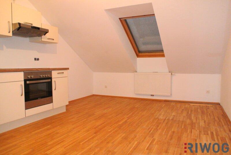 Schöne Dachgeschoss-Wohnung in der Bahnhofstrasse 38!