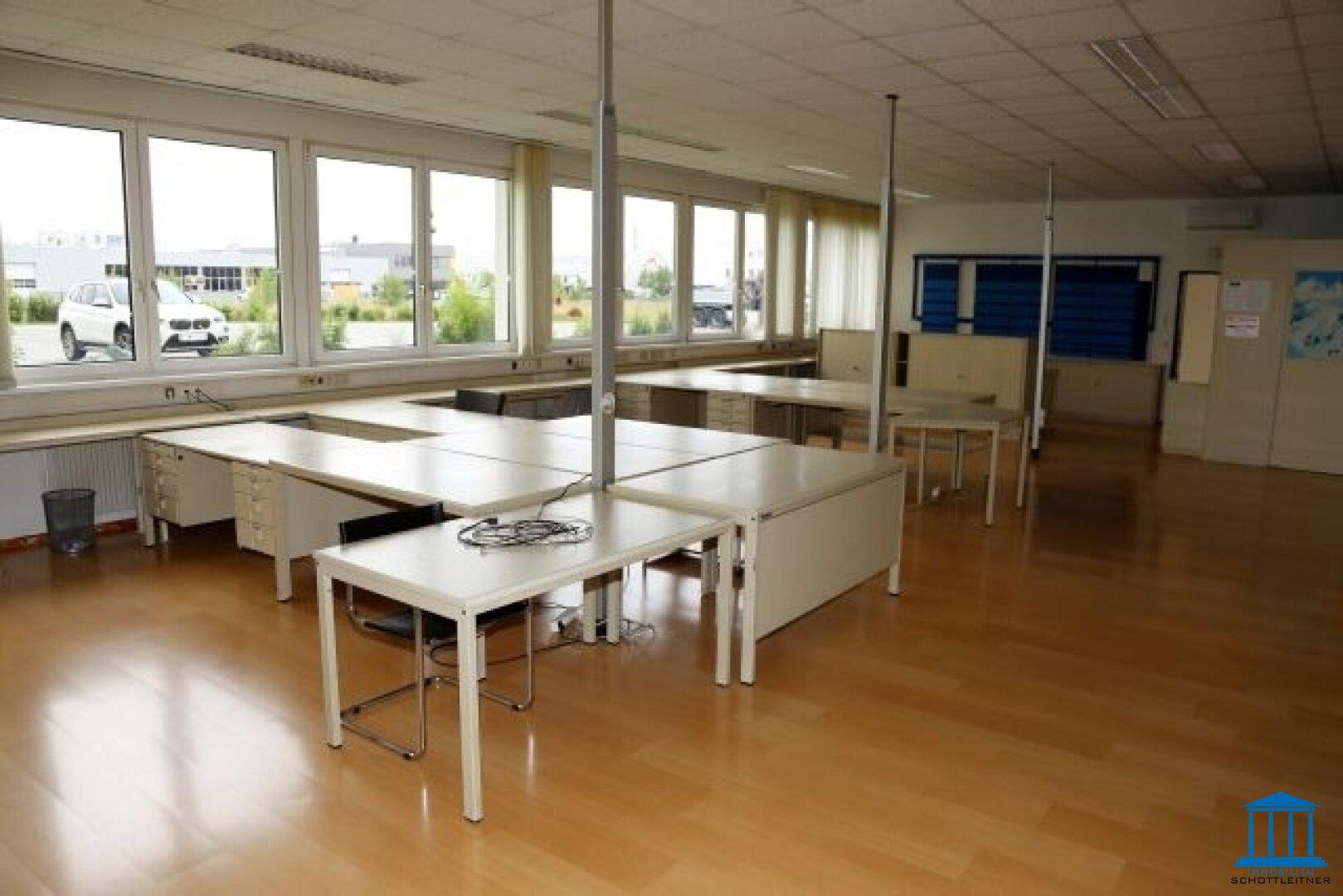1632_Büro 02