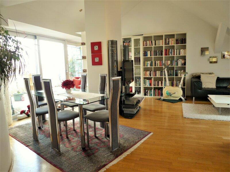 Außergewöhnliche DG Wohnung mit Flair, 140m², auf einer Ebene, mit 12m² Terrasse und Zugang zu 20m².Terrasse, in angenehmer Ruhelage!