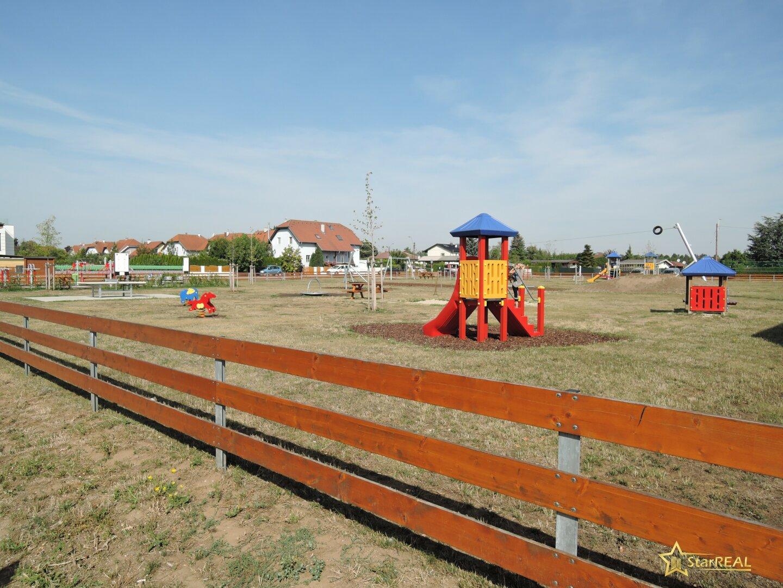 Kinderspielplatz ums Eck