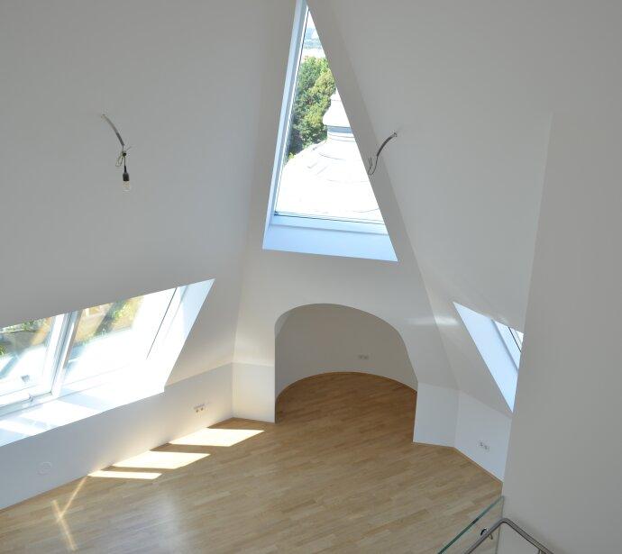 Repräsentatives Althaus - Topausgestatteter Dachgeschosstraum - Klimatisiert mit ruhiger Sonnenterrasse